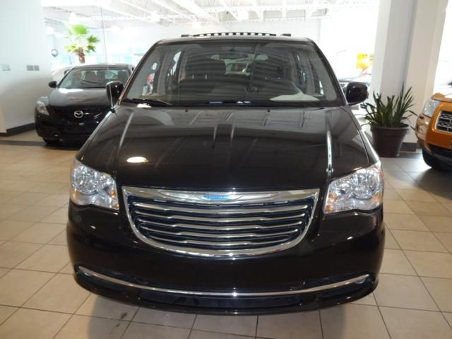 2012 chrysler town and country stow go touring gatineau. Black Bedroom Furniture Sets. Home Design Ideas