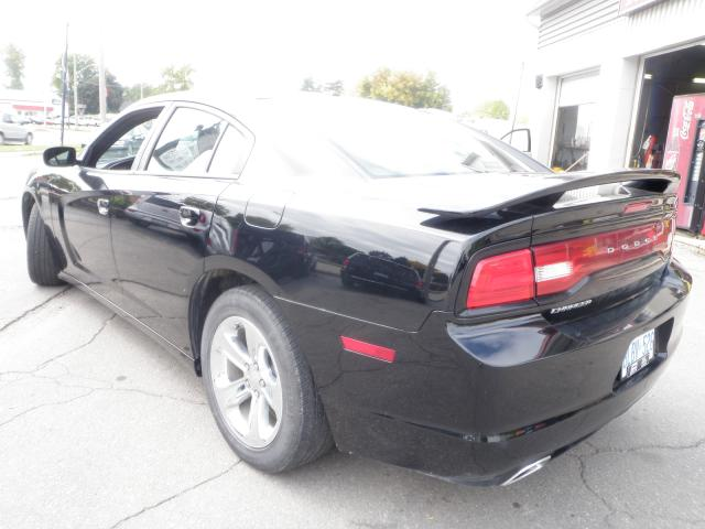 2012 dodge charger sxt previous rental vehicle brantford ontario used car for sale 1024849. Black Bedroom Furniture Sets. Home Design Ideas