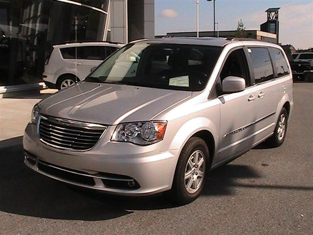 Chrysler Town and Country 2012