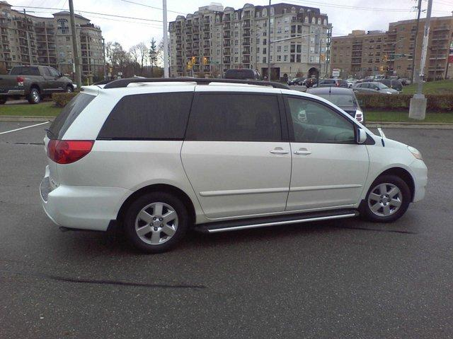 2008 toyota sienna le minivan vaughan ontario used car. Black Bedroom Furniture Sets. Home Design Ideas