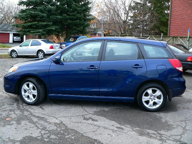2004 toyota matrix xr ottawa ontario used car for sale. Black Bedroom Furniture Sets. Home Design Ideas