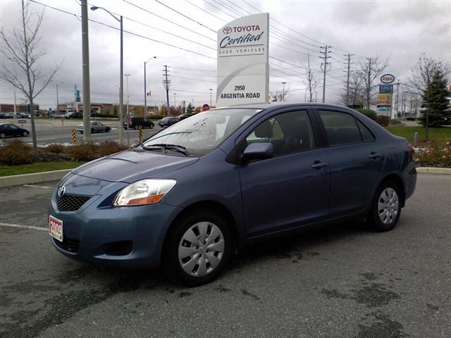 2009 Toyota Yaris Sedan in Mississauga, Ontario