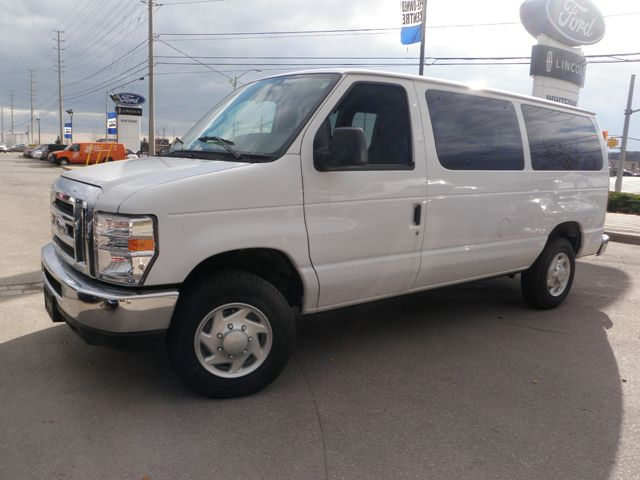 2011 Ford Econoline XLT in Mississauga, Ontario