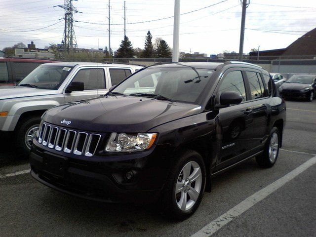 2011 jeep compass north sunroof big screen toronto ontario used car for sale. Black Bedroom Furniture Sets. Home Design Ideas