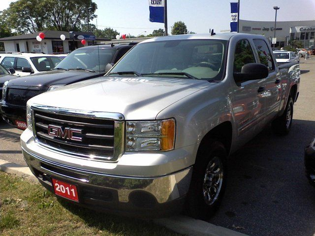 2011 GMC Sierra 1500 SLE Pickup 6 1/2 ft in Mississauga, Ontario