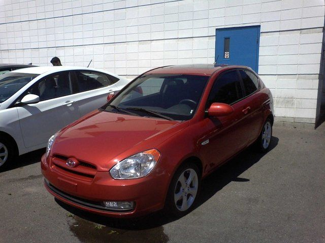 2009 Hyundai Accent GS Hatchback in Mississauga, Ontario