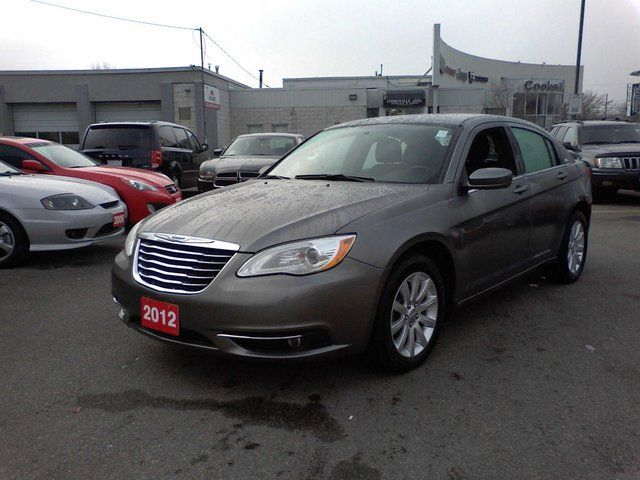 2012 chrysler 200 touring sedan mississauga ontario. Black Bedroom Furniture Sets. Home Design Ideas