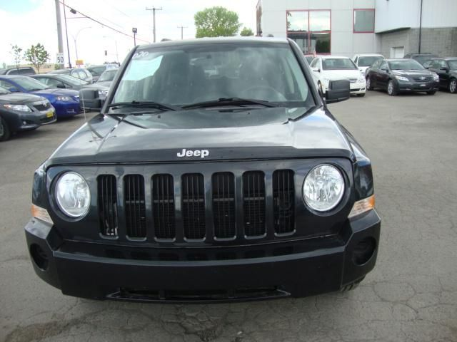 2010 jeep patriot noir pierrefonds quebec used car for sale. Black Bedroom Furniture Sets. Home Design Ideas