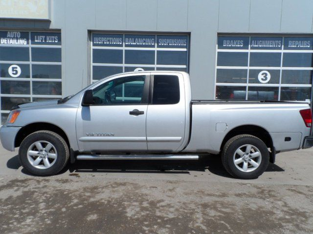 2010 nissan titan se edmonton alberta used car for sale. Black Bedroom Furniture Sets. Home Design Ideas