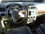 2009 Chrysler Town and Country Touring Minivan in Mississauga, Ontario image 26