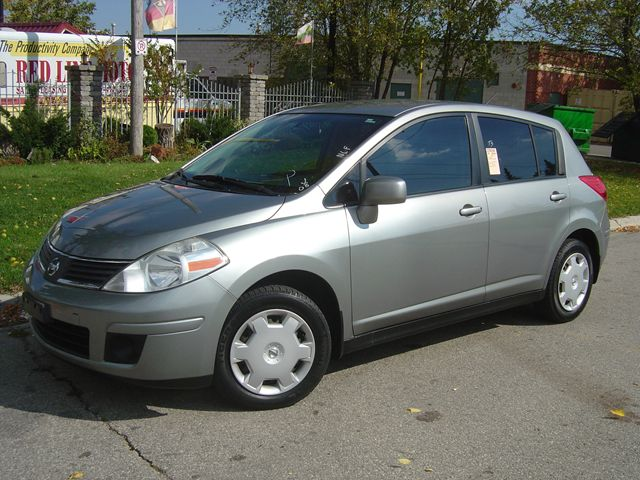 2008 Nissan Versa Hatchback