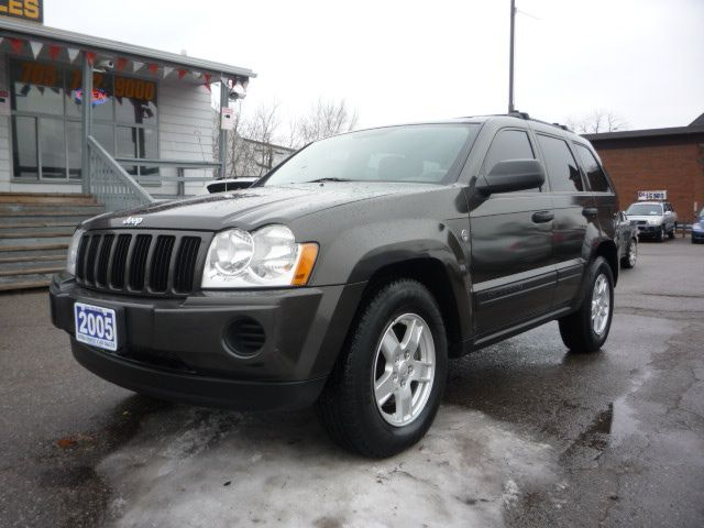 2005 jeep grand cherokee laredo 4x4 season is here barrie ontario used car for sale. Black Bedroom Furniture Sets. Home Design Ideas