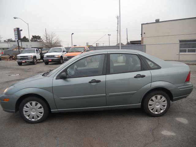 2004 ford focus se for sale ontario cars for sale autos post. Black Bedroom Furniture Sets. Home Design Ideas