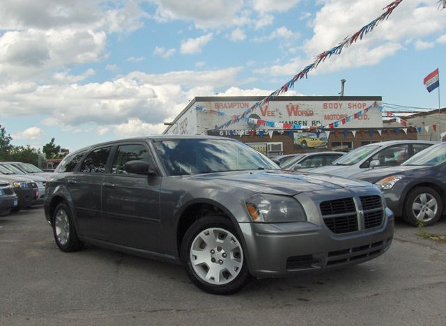 2005 Dodge Magnum SE - Brampton, Ontario Used Car For Sale