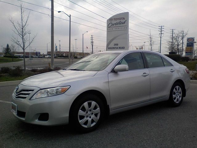 2010 Toyota Camry LE Sedan in Mississauga, Ontario