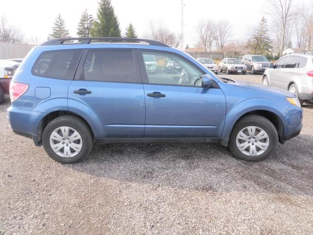 2009 subaru forester x w premium pkg london ontario car for sale 1079537. Black Bedroom Furniture Sets. Home Design Ideas