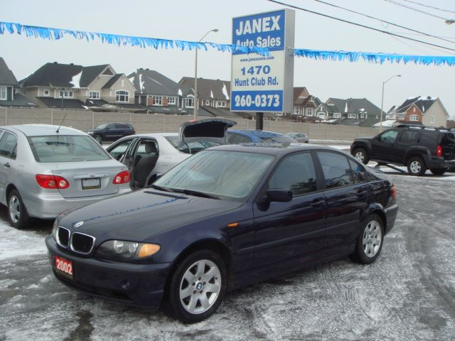 2002 bmw 3 series 325i ottawa ontario used car for sale. Black Bedroom Furniture Sets. Home Design Ideas
