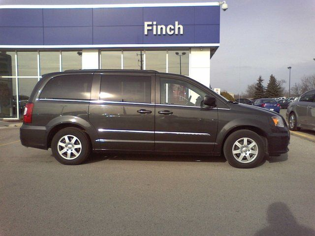 2012 chrysler town and country touring london ontario. Black Bedroom Furniture Sets. Home Design Ideas