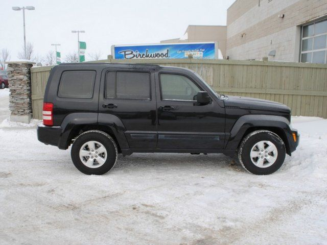 Jeep liberty in manitoba