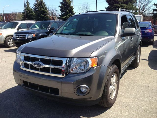 2012-Ford-Escape XLT