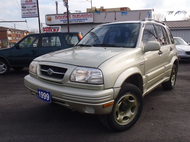 1999 suzuki grand vitara jlx cert etested oshawa. Black Bedroom Furniture Sets. Home Design Ideas