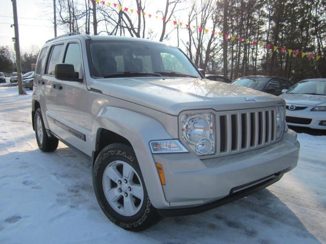 2009 jeep liberty 4x4 north loaded mint stittsville. Black Bedroom Furniture Sets. Home Design Ideas