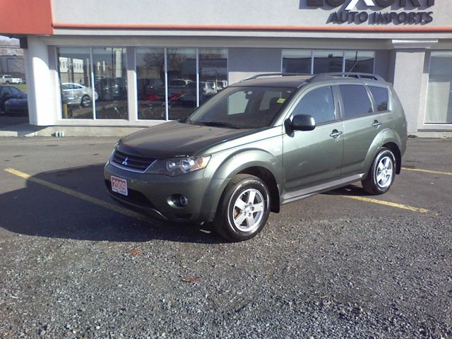 2009 mitsubishi outlander es sport utility ottawa. Black Bedroom Furniture Sets. Home Design Ideas