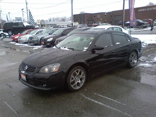 2006 nissan altima 3 5 se r sedan london ontario used. Black Bedroom Furniture Sets. Home Design Ideas