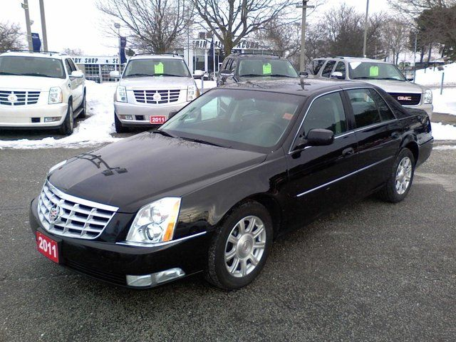 2011 Cadillac DTS 4.6 AUTO in Mississauga, Ontario