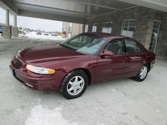 2002 buick regal ls sedan guelph ontario used car for sale. Black Bedroom Furniture Sets. Home Design Ideas