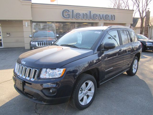 2012 jeep compass north 4x4 alloy wheels sunroof. Black Bedroom Furniture Sets. Home Design Ideas