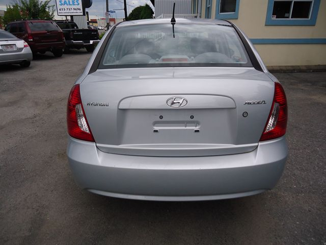 2007 hyundai accent gl ottawa ontario used car for sale 1107344. Black Bedroom Furniture Sets. Home Design Ideas