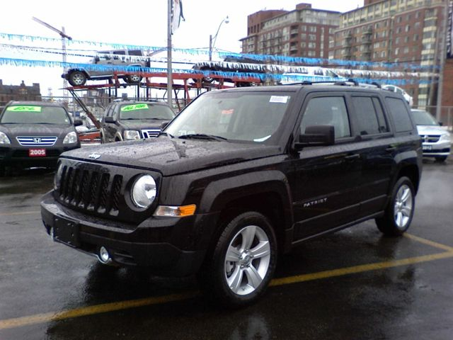 2012 jeep patriot limited leather sunroof toronto ontario used car for sale. Black Bedroom Furniture Sets. Home Design Ideas