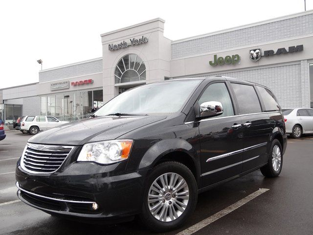 2012 chrysler town country limited nav dual dvd pkg tow hitch xenons blindspot trizone climate. Black Bedroom Furniture Sets. Home Design Ideas
