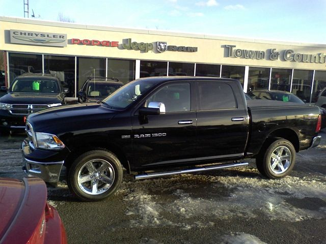 2012 dodge ram 1500 v8 hemi 5 7l wow great price smiths falls ontario used car for sale. Black Bedroom Furniture Sets. Home Design Ideas