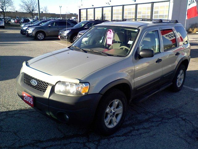 2005 Ford Escape XLT V6 4WD in Mississauga, Ontario