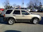 2005 Ford Escape XLT V6 4WD in Mississauga, Ontario image 2