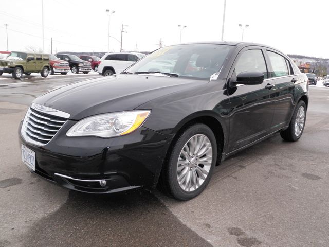 2012 chrysler 200 touring company vehicle grimsby ontario used car for sale. Black Bedroom Furniture Sets. Home Design Ideas