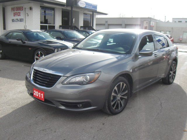 2011 Chrysler 200 S Sedan in Mississauga, Ontario