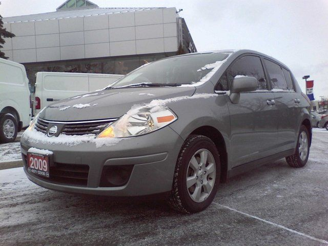 2009 Nissan Versa SL Hatchback in Mississauga, Ontario