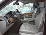 2010 Chrysler Town and Country Limited Minivan in Mississauga, Ontario image 11