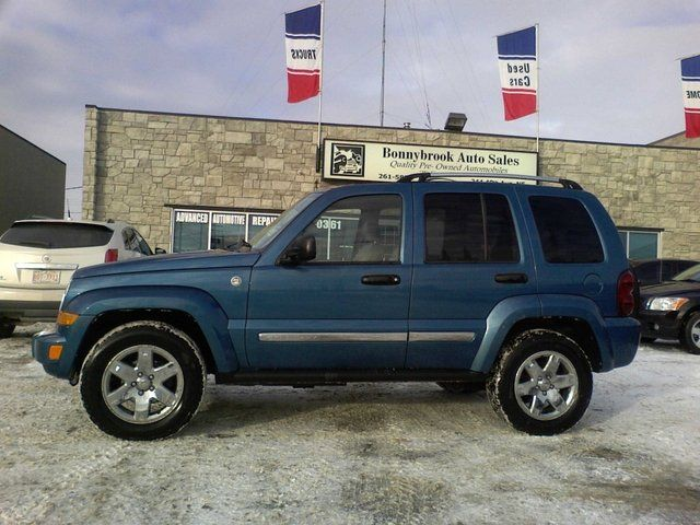 2005 jeep liberty limited edition sport utility calgary alberta used car for sale. Black Bedroom Furniture Sets. Home Design Ideas