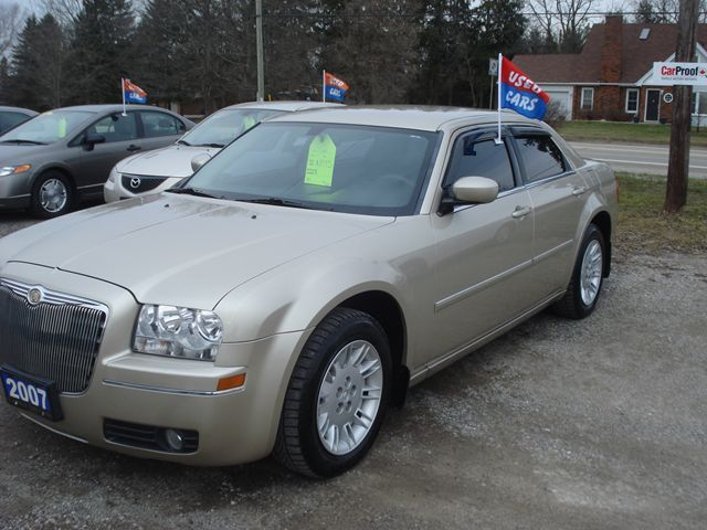 2007 chrysler 300 open 7 days a week london ontario. Black Bedroom Furniture Sets. Home Design Ideas