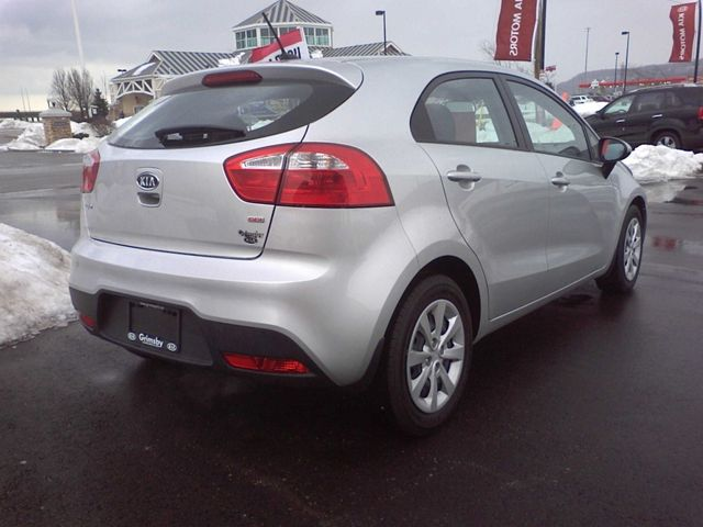 2013 kia rio lx hatchback grimsby ontario used car for sale. Black Bedroom Furniture Sets. Home Design Ideas
