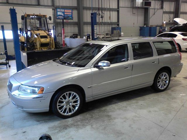 volvo v classified ad station wagons for sale pictures. Black Bedroom Furniture Sets. Home Design Ideas