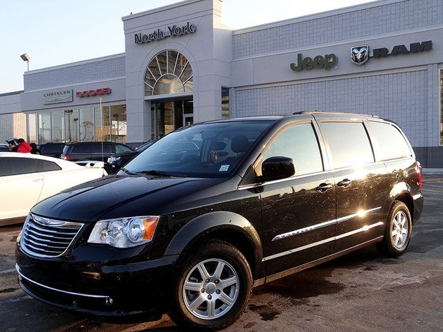 2012 chrysler town and country touring w nav dvd pkg. Black Bedroom Furniture Sets. Home Design Ideas