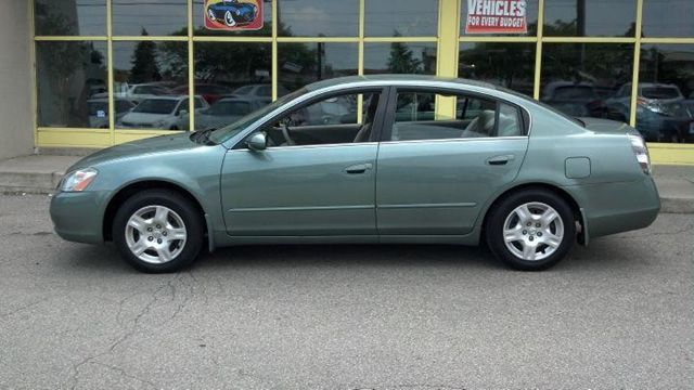 2004 nissan altima s only 135 000 kms north york ontario used car for sale. Black Bedroom Furniture Sets. Home Design Ideas