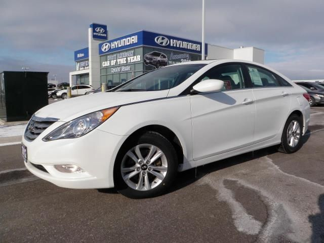 2012 hyundai sonata gls w moonroof and four new tires in milton. Black Bedroom Furniture Sets. Home Design Ideas