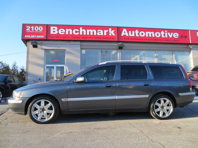 2004 volvo v70 brand new tires brakes cdn immaculate. Black Bedroom Furniture Sets. Home Design Ideas
