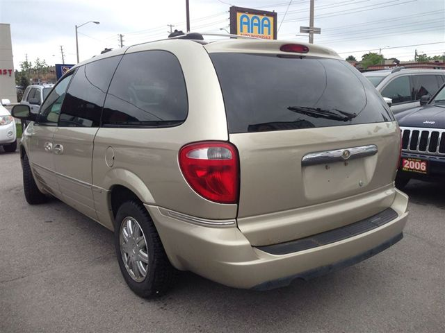 new and used chrysler town and country cars for sale. Black Bedroom Furniture Sets. Home Design Ideas